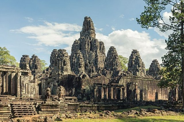 Храм Байон - Камбоджийский храм в Сием Рип