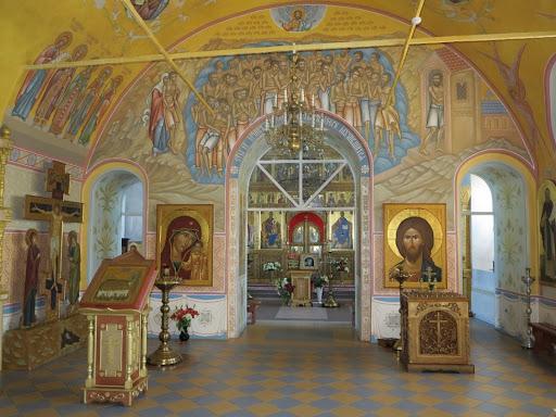 Где купить предметы культа или заказать создание интерьера храма