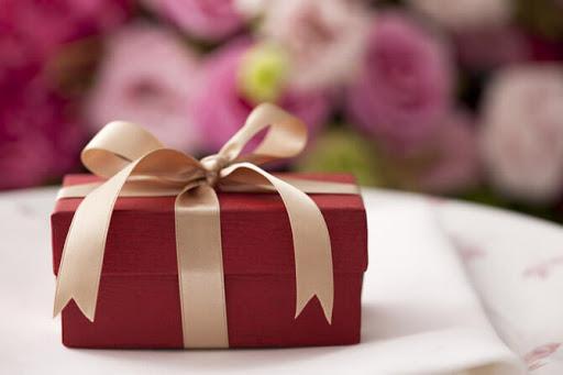 Критерии выбора подарка на торжество