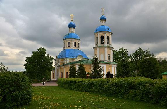 Храмы памяти апостолов Петра и Павла в Москве