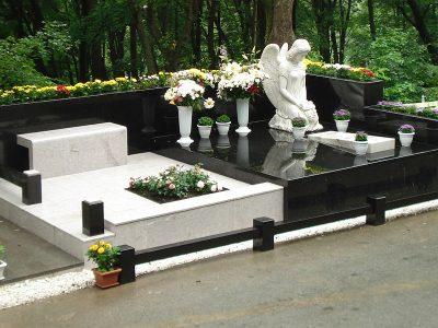 Производство и установка памятников в Москве