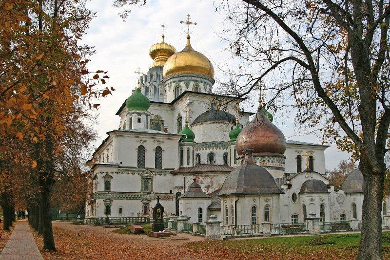 Принято решение о возобновлении реконструкции Ново-Иерусалимского монастыря.  Он был заложен в середине XVII века...